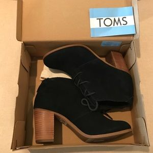 TOMS Lunata Lace up booties (suede)