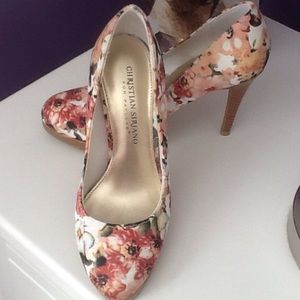 Christian Siriano Shoes - Gorgeous Christian Siriano pumps! NWOT