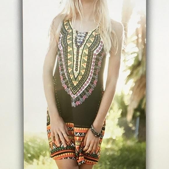 Dresses & Skirts - 💛Black aztec💛 inspired body con dress