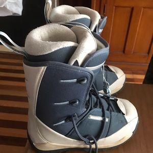 Salomon Shoes - Girls 4.5 Salomon Thermifit Vigil Snowboard Boots