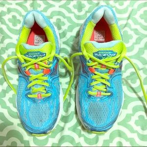 Brooks Shoes - Brooks Ravena