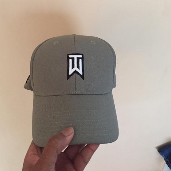 Gray Nike Tiger Woods hat. M 5866ade34127d009ec037160 e99b0249cf2