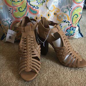 Merona Tan chunky heels