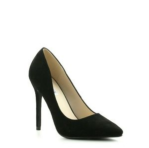 Cape Robbin Shoes - PRICE LOWERED Faux Suede Black Pointy Toe Heels