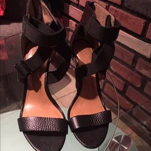 Report signature shoes wedges size 6.5