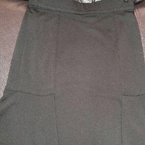 Sophie Max  Dresses & Skirts - Sophie Max slimming black skirt