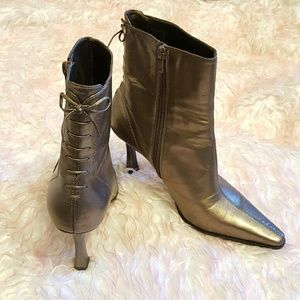 Nine West boots w/ heel and lace up detail