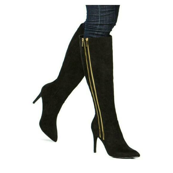 Black Womens Suede Shoes Sale: Save Up to 75% Off! Shop oldsmobileclub.ga's huge selection of Black Suede Shoes for Women - Over styles available. FREE Shipping & Exchanges, and a % price guarantee! Minnetonka Double Fringe Side Zip Boot (Women's) $ Add to Cart. Quick View. New! Sale. Sale.
