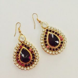 Jewelry - 🆕 Pink and gold earrings