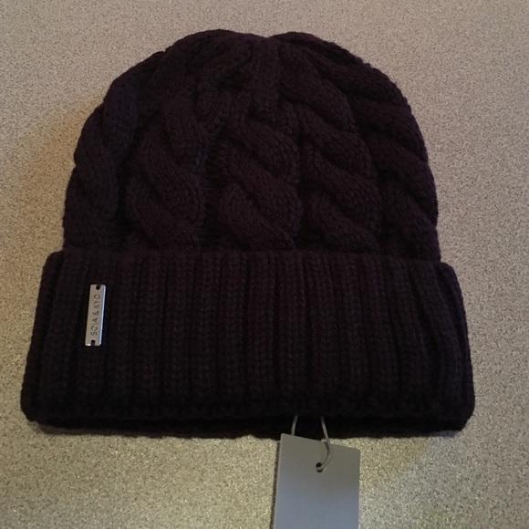 eafa5eb398c NWT Soia   Kyo Olivia Cable Knit hat