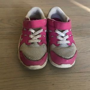 Nike toddler sneakers size 8.5