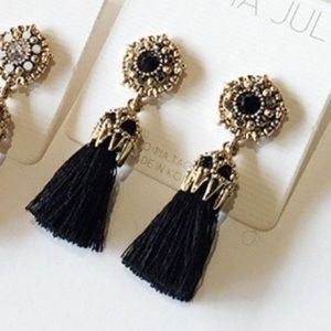 Beautiful fashion earrings new