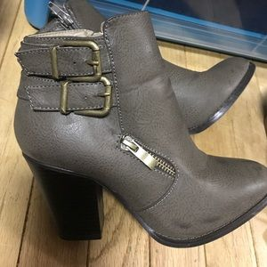 Shoes - Just fab ankle boots
