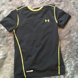 Under Armour Other - Black Under Amour Heat Gear shirt. Size Small