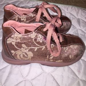 Naturino Other - *HP* Falcotto Naturino lace shoes size 26-10 Cute!