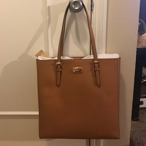 Brand new with Tag, never used, 100% authentic.
