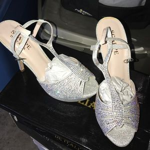 Silver Rhinestone heels size 9 NEW