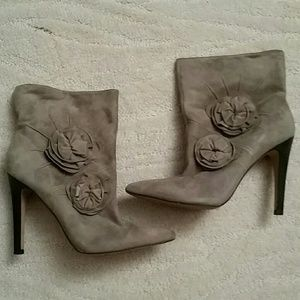 Vince Camuto Gray Suede Booties.Size 7