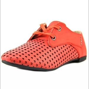 Yoki Shoes - 🆕💥tangerine dream hued perforated laced Oxfords