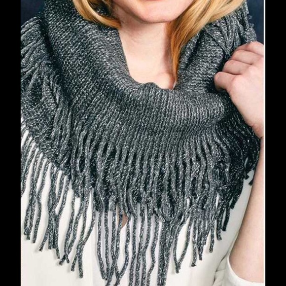 2Chic Accessories - 💖Grey & Sparkly Infinity Scarf w/ Fringe💖