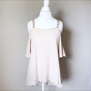 Tops - 💐 SALE!!!!! Nude Cold Shoulder Top tunic
