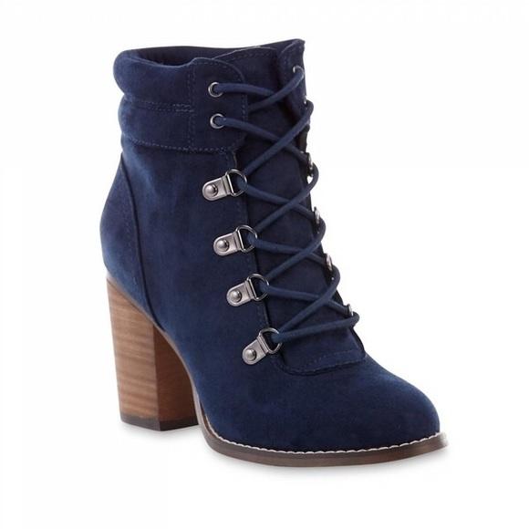 6ee79b88b8fa Navy lace-up chunky heel booties