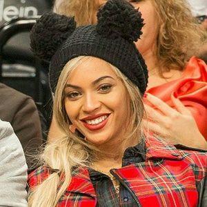Simplicity  Accessories - Double pom balls winter knit beanie cap Beyonce