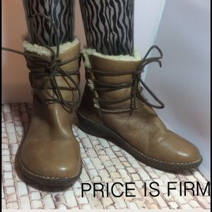 Stained UGG Rianne Tan Leather Shearling Boot 8