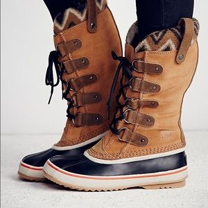 Sorel Shoes - Winter boots. Joan of arctic in tan suede ❄
