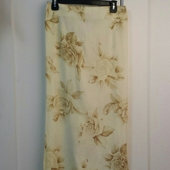 Trendy Looks Skirts - Maxi Skirt yellow floral