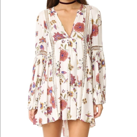 f5273e68e82 Free People Tops - NWOT Free People Just the Two of Us Printed Tunic