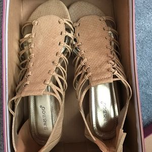 Bamboo Shoes - Gently worn tan sandals, size 7.5