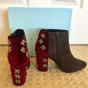 Faryl Robin Shoes - ❤️️SALE❤️️Faryl Robin Rhinestone Booties