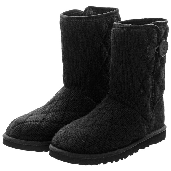 ugg shoes mountain quilted knit boot poshmark rh poshmark com