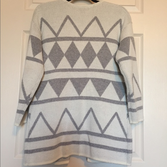 LOFT Sweaters - Loft Tribal Print Cardigan Size SP