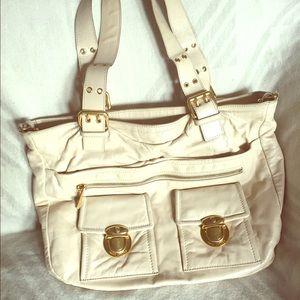 Marc Jacobs Handbags - 👜MARC JACOBS Roomy Leather Bag👜