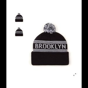 Pom Pom AA Brooklyn beanie💕😝