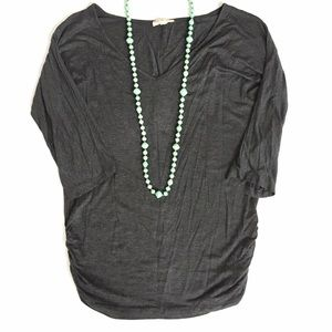Zenana Outfitters Tops - Zenana Outfitters Gray V-Neck Tunic Tee