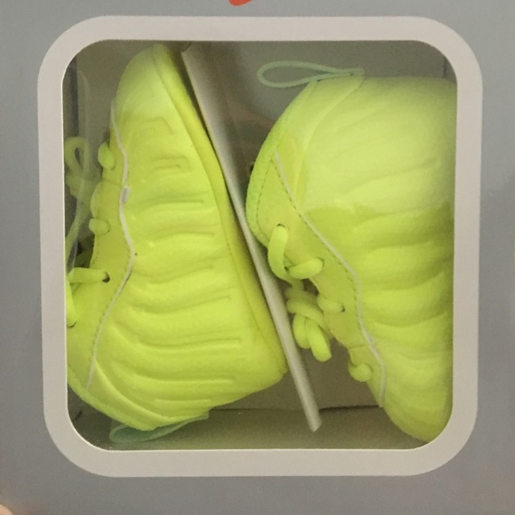 ad2df994b4c524 Nike foamposite infant size 2 volt color