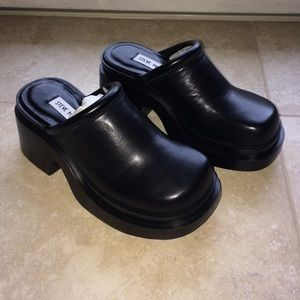b3534908f65 Vintage Shoes - Vintage 90s Steve Madden platform mules