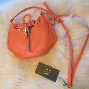 NWT Danielle Nicole mini bucket bag in coral!