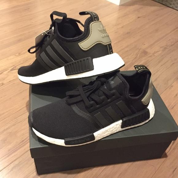 0627367f5 Adidas NMD R1 Women s 8  Men s 7 in Black