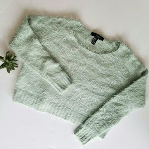 FOREVER 21 Fuzzy Crop Sweater Size Small