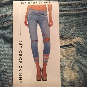 Nwt perfect distress denim crop jeans light wash