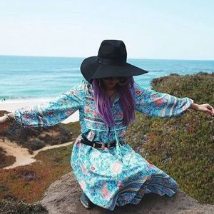 Dresses & Skirts - Bohemian floral long sleeve dress