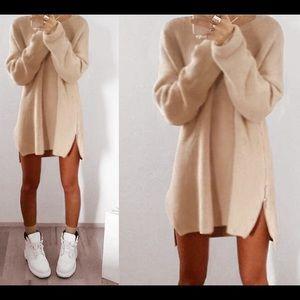 Sweaters - Beige knitted shot dress