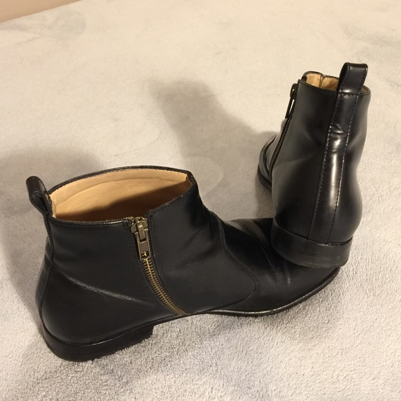APC Shoes - APC Gigi ankle boots
