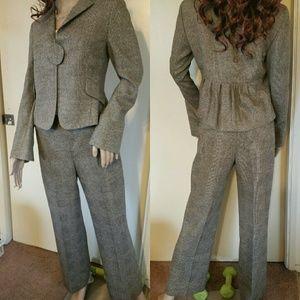 Akris Jackets & Blazers - Akris Punto wool suit, size 6, one button, ruffle