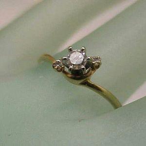 Jewelry - Estate 14k gold  .22ct diamond engagement ring