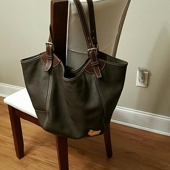 2837ae0499 Dooney   Bourke Handbags - LARGE AUTHENTIC DOONEY   BOURKE.